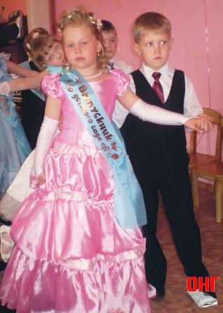№25 Колохматова Екатерина , выпускница д/сада №208.